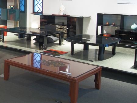 ショールームでは工場で作られている家具も一堂に見ることができます。