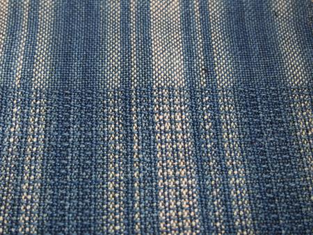 上半分が普通の織り、下が保多織りです。厚みの違いお分かり頂けますか。