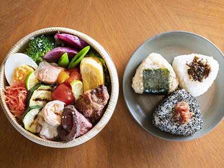 香川県産の食材を使ったおかずを、彩り豊かに詰め合わせた「さぬき弁当」。