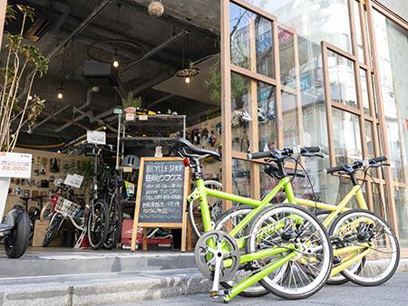 「Tyrell  FX」は、折りたたみ自転車の利便性とスポーツバイクの走行性能を合わせ持った、海外での評価も高い自転車です。