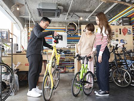 自転車の組み立て方などもていねいにレクチャーしてくれるので、始めてでも安心です。